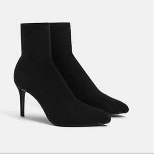 New! Stretch ankle boots with stiletto heel.